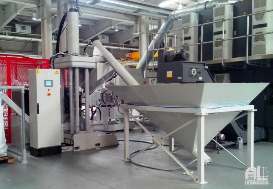 Compacteuse de copeaux Al industrie - Broyage, Essorage, Compactage - Tôlerie