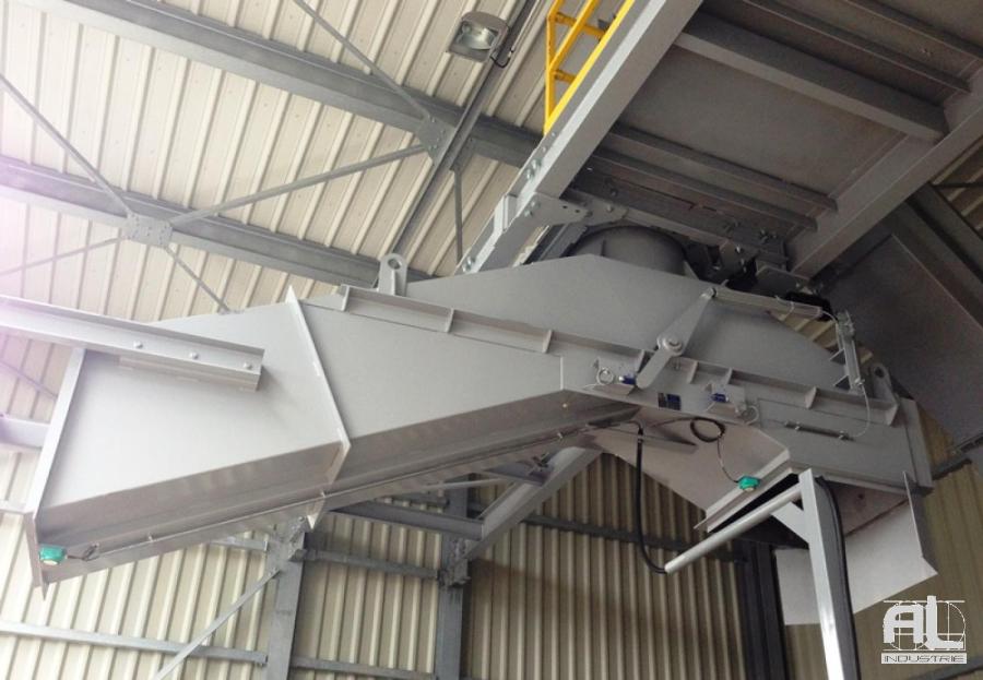 Goulotte de déchargement rotative - Convoyeur de presse à emboutir - Tôlerie