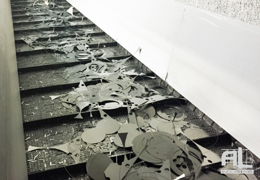 Convoyeur pieces emboutissage - Convoyeur pièces emboutissage - Tôlerie
