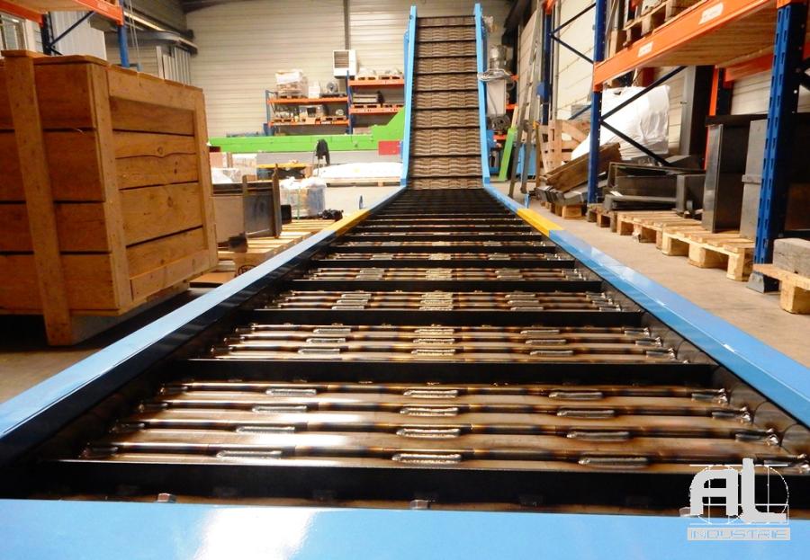 Convoyeur tapis metallique renforcé - Convoyeur encocheuse - Tôlerie