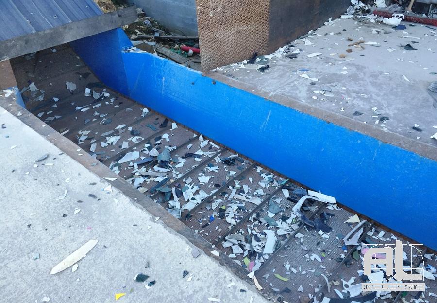 Convoyeur déchets plastiques - Convoyeur recyclage plastique - Recyclage