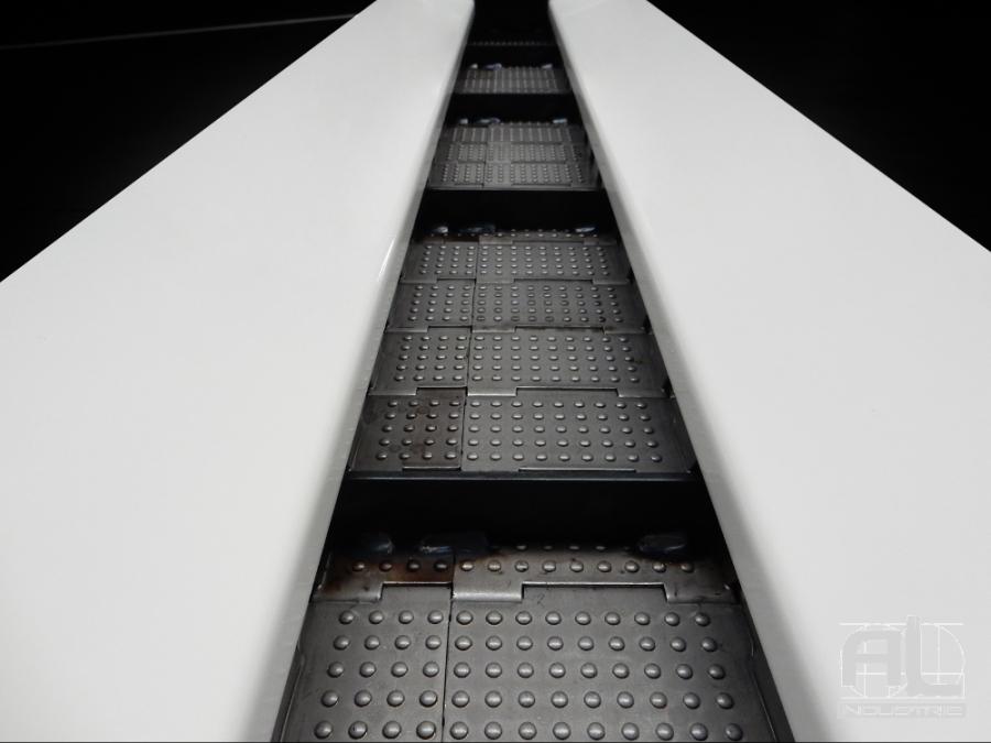 tapis métallique convoyeur machine outils - Convoyeur tapis chutes aluminium - Sidérurgie